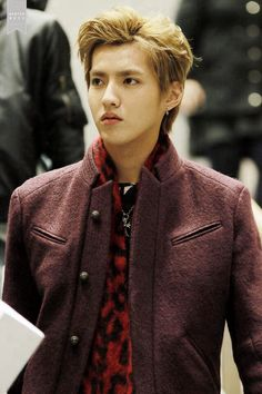 Kris would not be kris if he didnt made the airport his runway..O.O