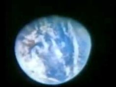 Fake Moon landings - Moon landing hoax - the Apollo astronauts are shown how they are staging beeing in moon orbit far away from earth although they are stil. Flat Earth Proof, Nasa Lies, Moon Orbit, Moon Landing, Apollo, Staging, Globe Earth, Astronauts, Hot Topic