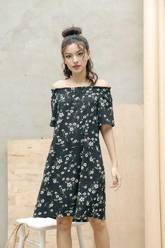 Đầm Suông Hoa Trễ Vai Dễ Thương - Đen