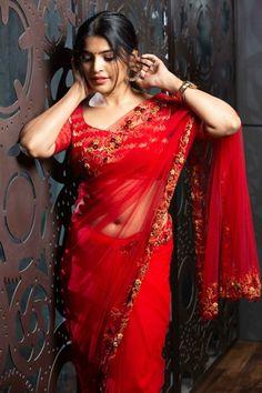 Beautiful Girl Indian, Beautiful Saree, Beautiful Women, Most Beautiful Bollywood Actress, Saree Photoshoot, Red Saree, Saree Models, Beauty Full Girl, Beauty Girls