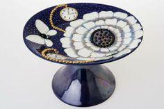 Birger Kaipiainen Arabia skål på fot H 16 L 25 Nordic Style, Scandinavian Design, Ceramic Decor, Love Design, Pottery Vase, Ceramic Artists, Porcelain Ceramics, Clay Projects, Table Decorations