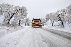 Kärnten: Schneeräumtrupps der Straßenmeistereien seit den Nachtstunden im Dauereinsatz