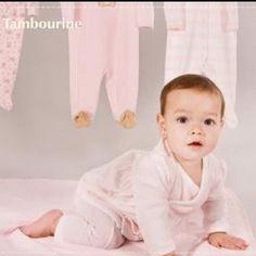 Todos los productos de Tambourine forman parte de nuestros grandes descuentos en la Cd. De México. Increíbles diseños fabricados 100% con algodón orgánico. #laesquinadenunu #nursery #baby #bebe #instababy #instababies #instakids #cuarto #recamara #room #mueble #mobiliario #decoracion #infantil #deco #niña #niño #kids #furniture #safe #pijama #tambourine