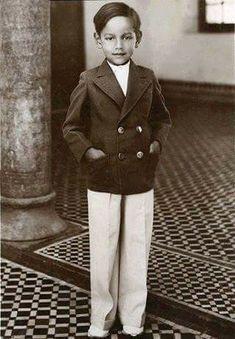 Le Roi Hassan 2, Kids Boys, Suit Jacket, King, Celebrities, Jackets, Clothes, Fashion, Royal Families