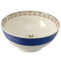 Wedgwood - Sarah's Garden Blue Salad Bowl 20cm Sarah's Garden, Salad Bowls, Wedgwood, Cupboard, Serving Bowls, Decorative Bowls, How To Look Better, Ornaments, Glasses