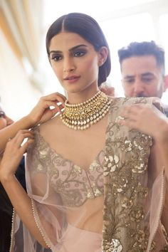 Sonam Kapoor at Cannes 2014- love the necklace!