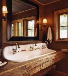 Rustic bathroom.....perfect sink!