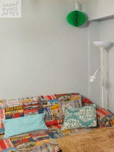 Fiesta despedida de Esther, decoración del rincón del sofá. (Funda sofá Nueva York propia del Equipo Happy, Bola nido de Abeja de IKEA)