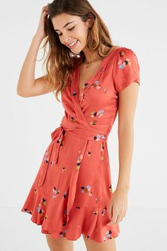 Shop Kimchi Blue Rita Wrap Dress at Urban Outfitters today. We carry all the latest styles, colors and brands for you to choose from right here. Urban Dresses, Dresses For Teens, Cute Dresses, Casual Dresses, Fashion Dresses, Summer Dresses, Fashion Clothes, Look Boho Chic, Mode Lookbook