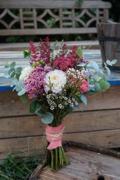 Ramo de eucalipto Dried Flower Bouquet, Dried Flowers, Fall Wedding Bouquets, Diy Wedding, Wedding Dress, Church Wedding Ceremony, Wedding Table Linens, Flower Farm, Bridal Flowers