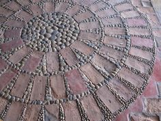 Garden Pathway Pebble Mosaic Ideas For Your Home Surroundings Mosaic art stems far back as 4000 years. However it was the Greeks who took the pebble art forming to a higher level, somewhere in the eighth century. Mehr The Effective Pic
