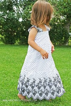 Make this cute little girl's dress out of a woman's skirt.  http://www.vanessachristenson.com/2009/09/tutorial-dress-made-from-skirt.html  #sew #sewing #make #create #dress #skirt #child's #girl's #woman's