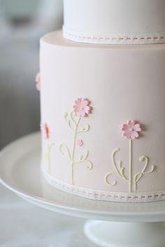 Wedding Cakes 2 x www.wisteria-avenue.co.uk