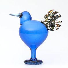 Birds by Toikka Meno iittala Kosta Boda, Glass Birds, Colored Glass, Vases, Glass Art, Bottles, Nostalgia, Sculptures, Design