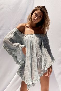 Boho Outfits – Page 3144347147 – Lady Dress Designs Look Hippie Chic, Look Boho, Hippie Style, Bohemian Style, Gypsy Style, Boho Looks, Bohemian Tops, Mode Outfits, Fashion Outfits