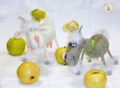 Project by Elena Himichenko. Crochet pattern Goat Amigurumi toy by Svetlana Pertseva for LittleOwlsHut.#Amigurumi, #LittleOwlsHut, #Pertseva, #CrochetPattern, #Crochet, #Pattern, #DIY #toy, #goat