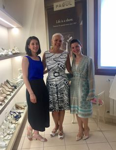 Una stilista, una donna speciale, un'amica: Cristina Balestreri dell'atelier Pepitango presenta lo stile nel tango argentino. Uno scatto rubato di tre artigiane - Cristina, Cinzia e Katia - innamorate dell'arte! ❤️👠👗  A stylist, a special woman, a friend: Cristina Balestreri of the atelier Pepitango presents the style of Argentinian tango. A stolen picture of three artisans - Cristina, Cinzia and Katia - fallen in love with art! ❤️👠👗