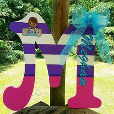 Want to do a J for Jordan Doc Mcstuffins Customized Letter Bedroom Wall Decor Doc Mcstuffins Birthday Party, Frozen Birthday Party, 4th Birthday Parties, Birthday Party Favors, 2nd Birthday, Birthday Ideas, Mickey Mouse Parties, Mickey Mouse Birthday, Bubble Guppies Birthday
