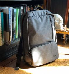 """Belkin Classic Pro Backpack 