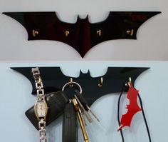 Batman Key Rack / Jewellery Organiser from on Etsy. Saved to home things. Batman Room, Im Batman, Batman Stuff, Superhero Room, Der Joker, Gravure Laser, Key Rack, Cool Stuff, Stuff To Buy