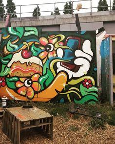 Cherry pie (sweet cherry pie) by @its.artista #itsartista #nomadiccommunitygardens #londonstreetart #streetartistry #streetartlondon #graffiti #londongraffiti #instagraff #graffitilovers #streetarteverywhere #streetartphotography #streetartandgraffiti #streetartofficial #tv_streetart #ldncallingblog #ig_graffiti #streetart_daily #ukstreetart #urbanart #graffitiigers #sprayart #wallporn #urbanwalls #notbanksyforum