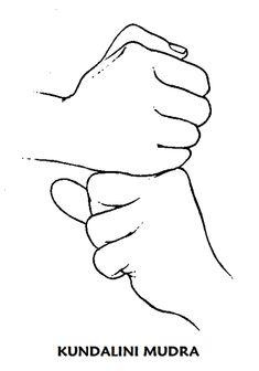 #kundalini #mudra Mantener las manos ante el abdomen. Hacer según se necesite hasta que se produzca el efecto deseado o durante un tiempo prolongado 15 minutos 3 veces al día. La forma del mudra Kundalini es clara: se trata de la fuerza sexual que debe despertarse y activarse. La unión de lo masculino y lo femenino, de los polos opuestos. Pero ante todo, la unión del alma individual con lo cósmico.