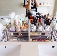 Makeup Cosmetic Organizer, EMOCCI 360 Degree Rotating Adjustable Multi-Function Cosmetics Storage Box Case 7 Layers Large Capacity Holder Vanity Shelf Fits Different Beauty Make Up accessories(Black) - Cute Makeup Guide Makeup Storage Organization, Organization Ideas, Muji Storage, Organizational Goals, Storage Units, Storage Drawers, Storage Ideas, Rangement Makeup, Vanity Room