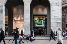 Havaianas Pac Man windows at La Rinascente, Milan – Italy » Retail Design Blog