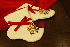 Socks for Hanbok called Beoseon with floral detail. Contemporary. #PhotojournalismKorea #KoreanTextiles