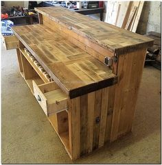 The drawers are added in this repurposed wood pallet idea keeping in mind the requirement of placing the small items like the bottle opener. The bottles can also be placed in the area above the ground; it is a good place to store the bottles safely.