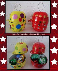 Voici des jolies boules surprises de noël à poser réalisées par Soline 3 ans et demi c'est les cadeaux pour papa et maman, c'est réalisé avec 4 pots de yaourts île flottante de weight watchers, ...