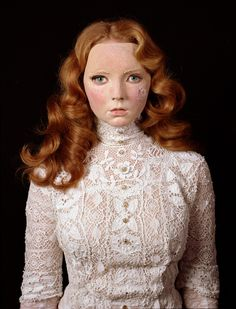 Unnerving portrait of model Lily Cole wearing a mask of her own face 😱 Photo by British artist Gillian Wearing. Lily Cole, Face Photo, Arts And Entertainment, Art Plastique, Timeless Beauty, Look Fashion, Supermodels, Portrait Photography, Fashion Photography