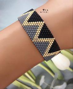 off loom beading stitches Loom Bracelet Patterns, Seed Bead Patterns, Bead Loom Bracelets, Peyote Patterns, Jewelry Patterns, Beading Patterns, Beading Ideas, Embroidery Bracelets, Loom Bracelets