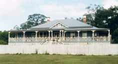 Australian homestead :) Australian homestead :] Always wanted to be able to knit, however undecided how to start? This Overall Beginner Knitting. Australia House, Queenslander, House Painting, Homesteading, Outdoor Gardens, Farmhouse Decor, My House, House Plans, House Design