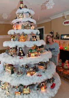 25 Christmas Decorating Ideas That You Should Read BEFORE You Put Up Your Tree. - http://www.lifebuzz.com/unique-trees/