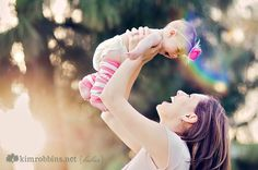 mom and baby family-photography Children Photography, Newborn Photography, Family Photography, Photography Ideas, Newborn Pictures, Baby Pictures, Family Pictures, Newborn Pics, Baby Monat Für Monat