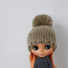 New to AnneArchy on Etsy: Bulky Bobble Hat for Blythe knitting PATTERN cute bulky knit pom pom doll hat - instant download - permission to sell finished objects (4.00 USD)