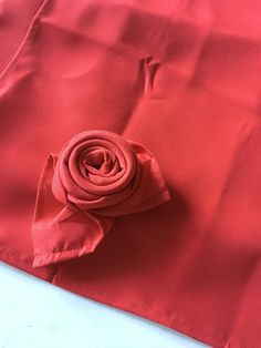 Explore efavormart's huge inventory of Table Cloths, Table Linens and Table Napkins today! Choose the perfect size and color of our Polyester napkins to adorn your party ambiance. Red Tablecloth, Red Wedding Decorations, Banquet Tables, Wedding Napkins, Linen Napkins, Anniversary Parties, Color Themes, Red Flowers, Event Decor