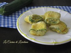 rolls of crispy zucchini Veggie World, Cooking Recipes, Healthy Recipes, Antipasto, Sweet And Salty, Soul Food, Italian Recipes, Food Inspiration, Zucchini