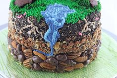 AWESOME cake! This looks gross like dirt lol but I bet tastes great!