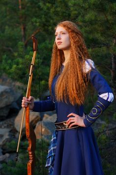 """i-see-red-and-i-love-it: """"Random beautiful celtic redhead """" Medieval Dress, Medieval Clothing, Gn, Celtic Warriors, Fantasy Costumes, Warrior Princess, Beautiful Redhead, Redheads, Red Hair"""