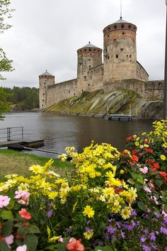 Olavinlinna Castle ~ It is a three-tower castle located in Savonlinna, Finland. It is the northernmost medieval stone fortress still standing. Beautiful Castles, Beautiful Buildings, Beautiful World, Beautiful Places, Helsinki, The Places Youll Go, Places To See, Lappland, Famous Castles