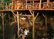 balançoire d'une maison-arbre au Nicaragua