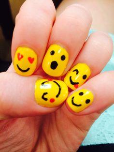 Emojii nail art