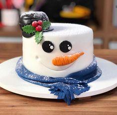 Christmas Themed Cake, Christmas Cake Designs, Christmas Deserts, Christmas Cake Decorations, Christmas Cupcakes, Holiday Cakes, Holiday Desserts, Chrismas Cake, Xmas Cakes