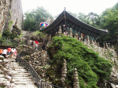 Tapsa (탑사), in Jinan-gun, Jeollabuk-do, is a temple where a man named 'Gapryong Lee', a retired scholar built numerous pagodas one stone at a time over a period of decades. There are some marvelous towers, such as Cheonjitap, Obangtap, Ilgwangtap and Wolgwangtap, which are so tall and massive it's hard to believe they were erected by just one man. It is said that he built 108 towers over 30 years from 1885, but only 80 of them remain today.