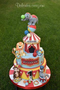 Circus - cake by Dolcidea creazioni - CakesDecor Carnival Birthday Cakes, Circus Theme Cakes, Circus First Birthday, Circus 1st Birthdays, Carnival Cakes, Carnival Themed Party, Birthday Party Themes, Carnival Costumes, Cirque Vintage