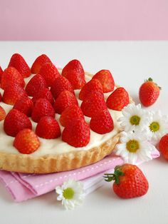 """Fresh strawberry tart with lemon cream"" #spring #recipe #lemon"