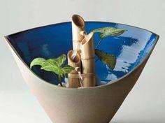 Artesanatos com bambu é um costume milenar que ainda ganha força em qualquer época do ano. Que tal você começar a desenvolver este trabalho manual agora mesmo? Selecionamos algumas ideias para você aproveitar o bambu e...
