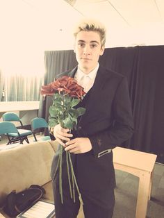 Sammy, clip your roses next time. Still love you tho boo Sam Wilkinson, Omaha Squad, Jack Gilinsky, Jack And Jack, Still Love You, Magcon, Boyfriend Material, Famous People, Fangirl